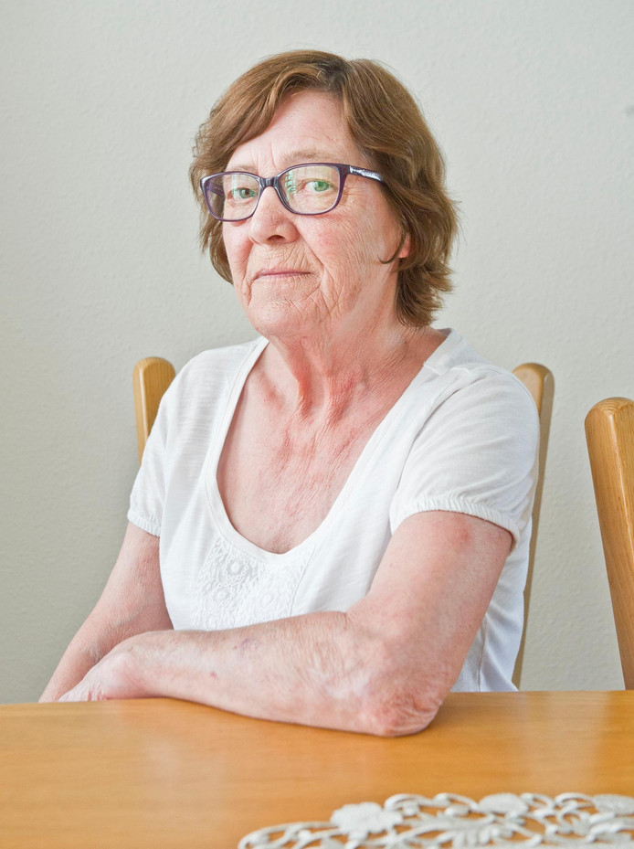 Mia Swinkels was in de jaren 70 in behandeling bij dokter Jan Karbaat. Ze kreeg twee kinderen, van wie één van Karbaat. ,,Hij heeft me belogen.''